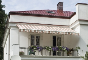 Balcony awnings