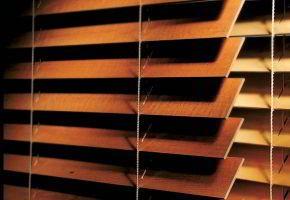ISO medinės horizontalios žaliuzės