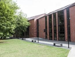 Horizontalios žaliuzės Anykščių bibliotekoje