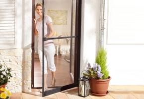 Moskitiery drzwiowe zawiasowe
