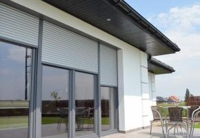 Lauko žaliuzės ir kiti langų uždengimai didinantys namų vertę
