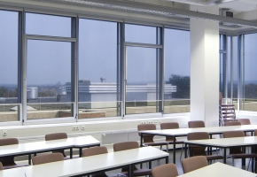 "Roller blinds protecting from sun and heat ""GLASGARD"""